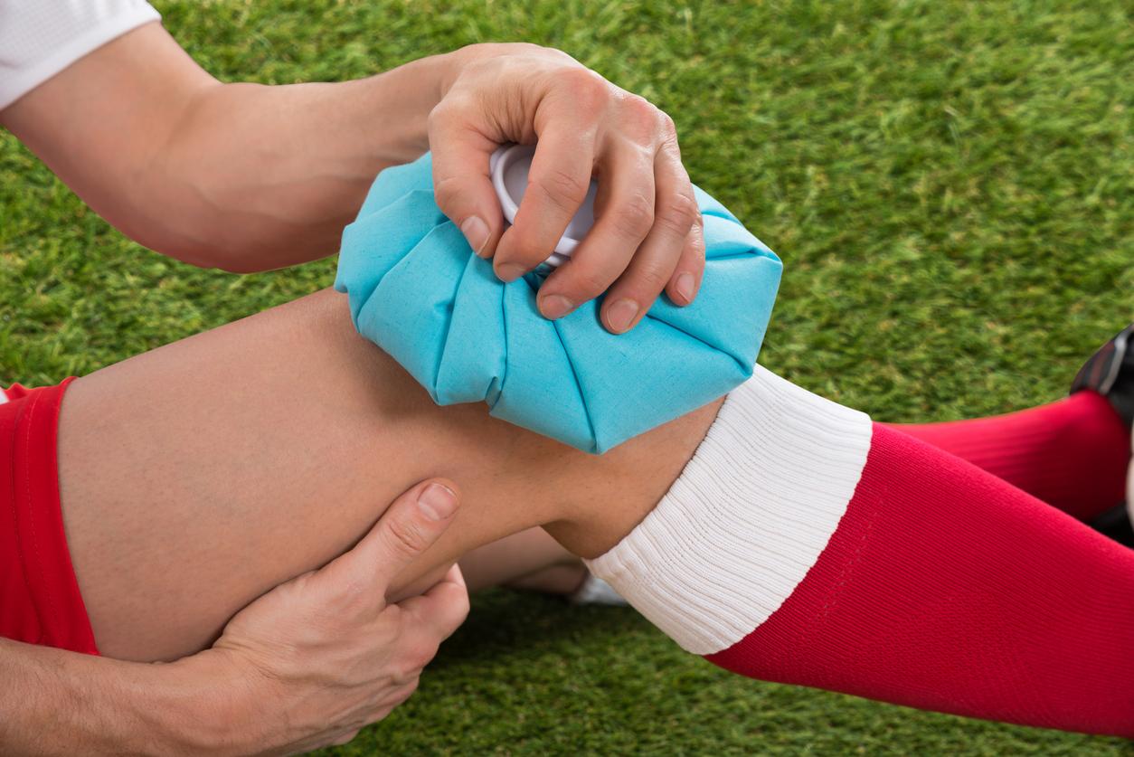 Quando as pessoas se machucam, muitas não sabe se devem usar gelo ou compressa quente para diminuir a dor momentânea ou ate evitar lesões maios graves