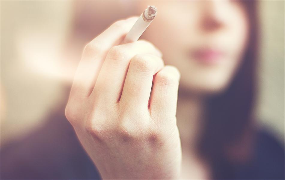 O cigarro é um vício que prejudica muito a saúde do organismo. Entenda o porquê esse produto afeta tanto a sua saúde e saiba como diminuir o consumo.