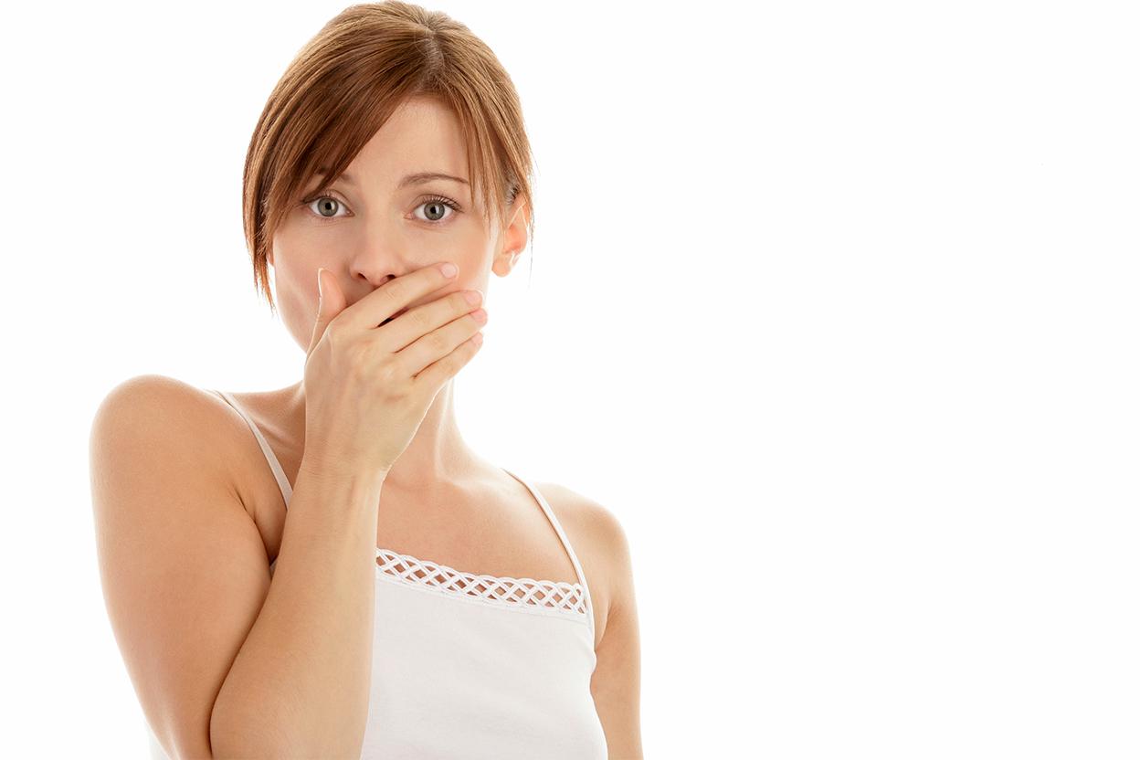 A sensação de boca seca, também conhecida como xerostomia, nem sempre indica que é hora de beber água. Ela pode ser sinal de alguma doença.