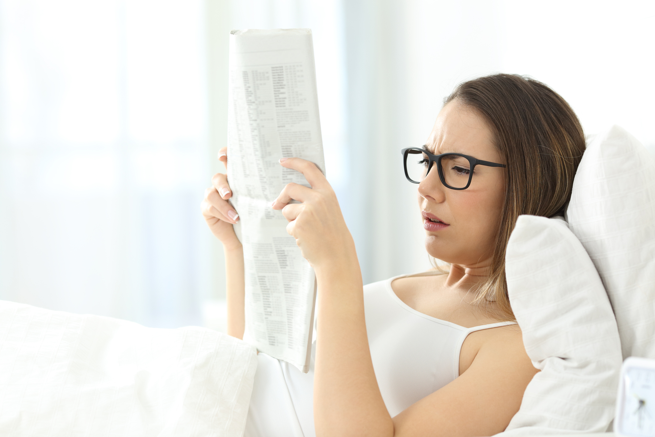 Se você está com dificuldade para ler bulas de medicamentos, livros ou ler as suas mensagens no celular, é bem provável que você esteja com a vista cansada.
